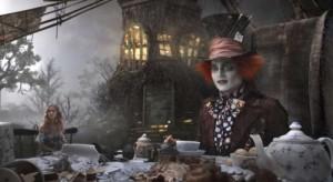 Alicia en el País de las Maravillas: Los confines de la imaginación y la locura 4