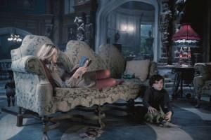 Sombras Tenebrosas: Tim Burton, perdido en su laboratorio neológico 5