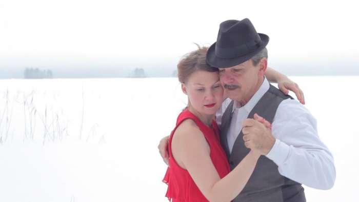 Tango Suomi: Un abrazo que se funde a la distancia. 1