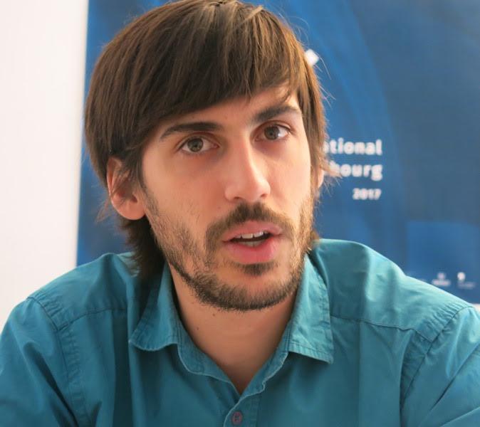 Entrevista a Darío Mascambroni : Los niños traen una verdad natural, libre de prejuicios 1