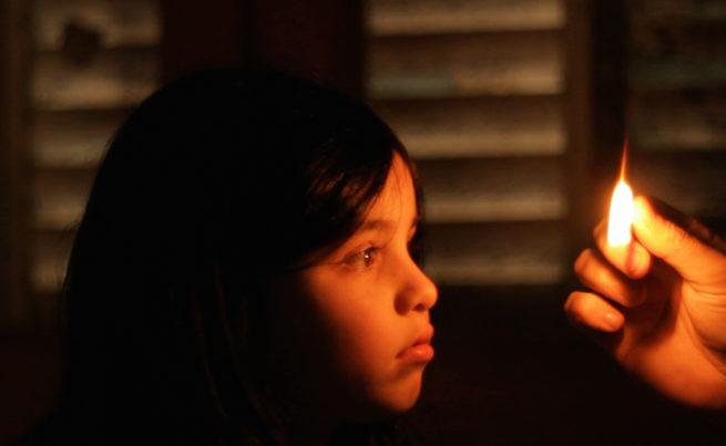 La vendedora de fósforos: La niña, la chispa y un alemán en el Colón 1