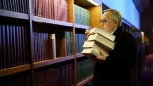 La biblioteca de los libros olvidados: Misterios, libros... y pizzas 3